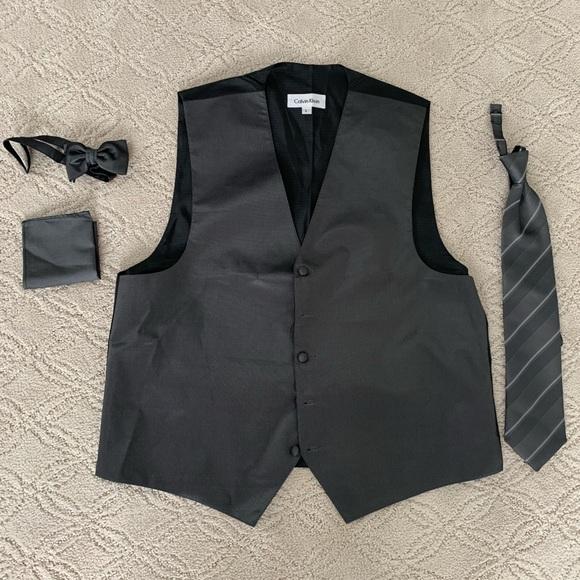 Calvin Klein Other - Calvin Klein tuxedo grey accessory set L